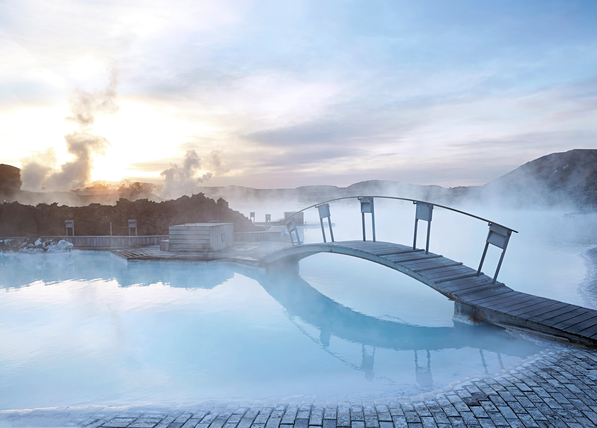 Golden circle blue lagoon without reykjavik detours for Blue lagoon iceland accommodation