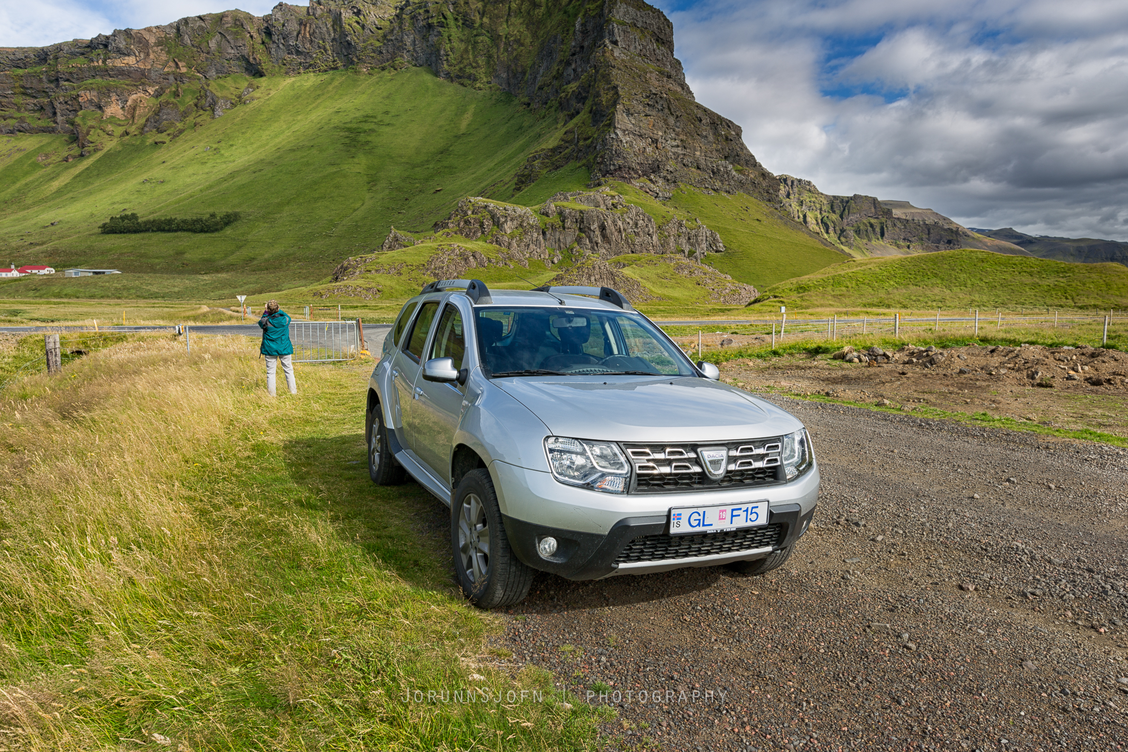 dacia duster 4x4 2016 from go car rental guide to iceland. Black Bedroom Furniture Sets. Home Design Ideas