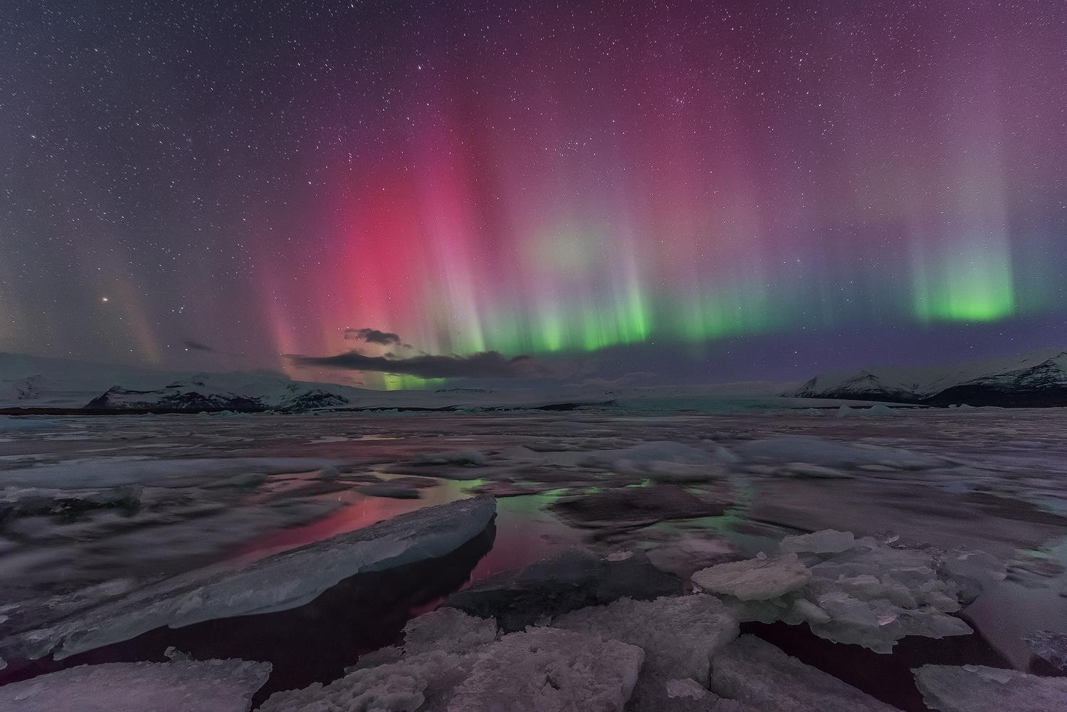 Northern Lights At J 246 Kuls 225 Rl 243 N Glacier Lagoon Guide To