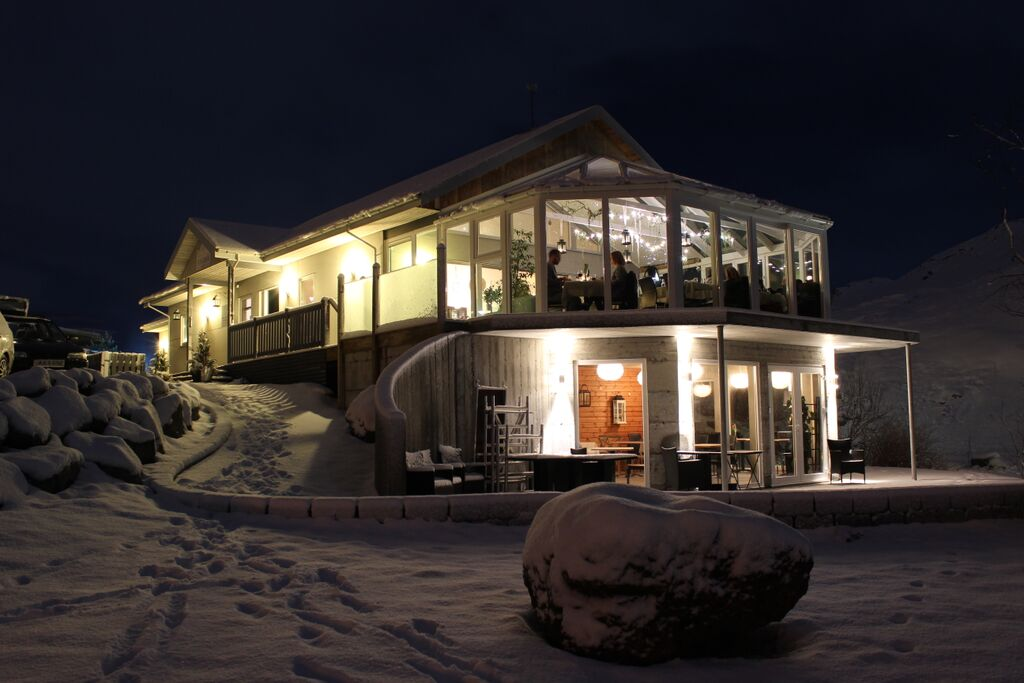 7 Frost And Fire Hotel