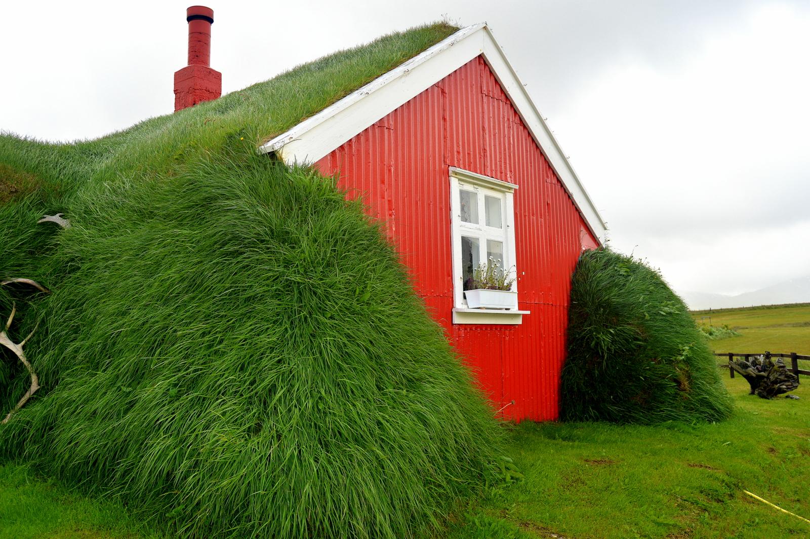 Lindarbakki Turf House In Borgarfj R Ur Eystri Guide To
