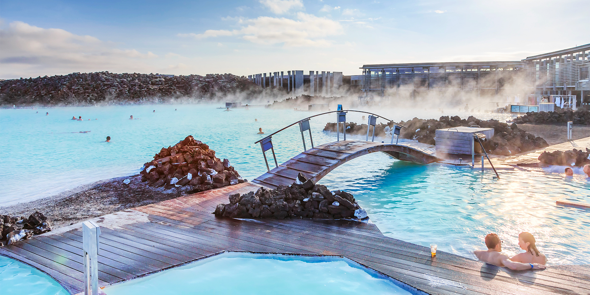 Luxurious private airport transfer and blue lagoon in a for Hotels near the blue lagoon iceland