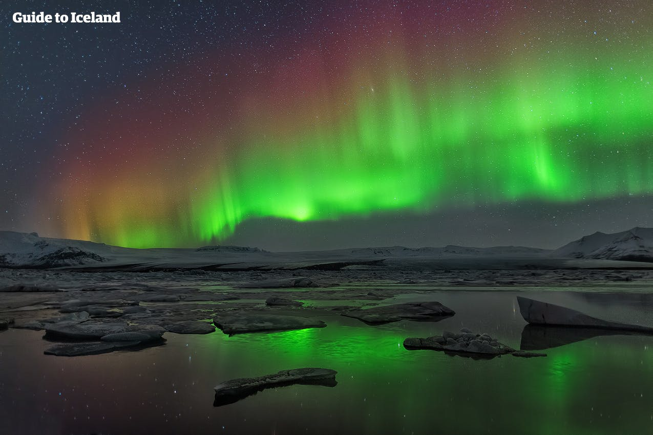 northern lights in iceland when where to see the aurora. Black Bedroom Furniture Sets. Home Design Ideas