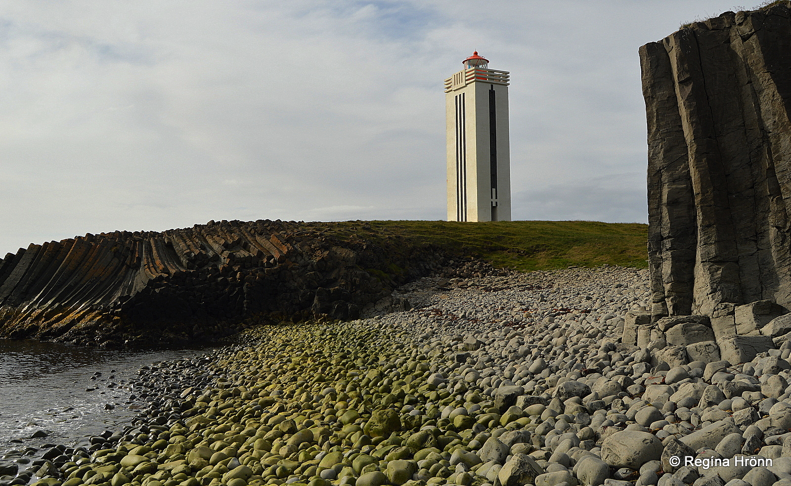 Basalt Columns Iceland : Kálfshamarsvík extraordinary basalt columns at skagi in
