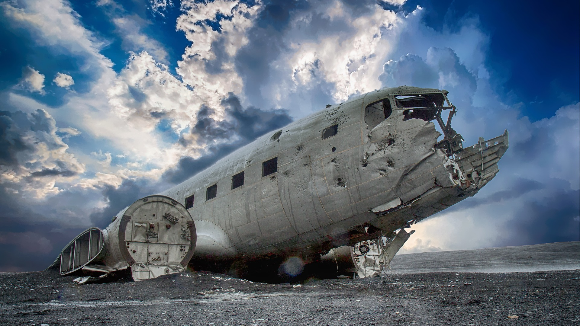 dc3 plane wreck guide to iceland