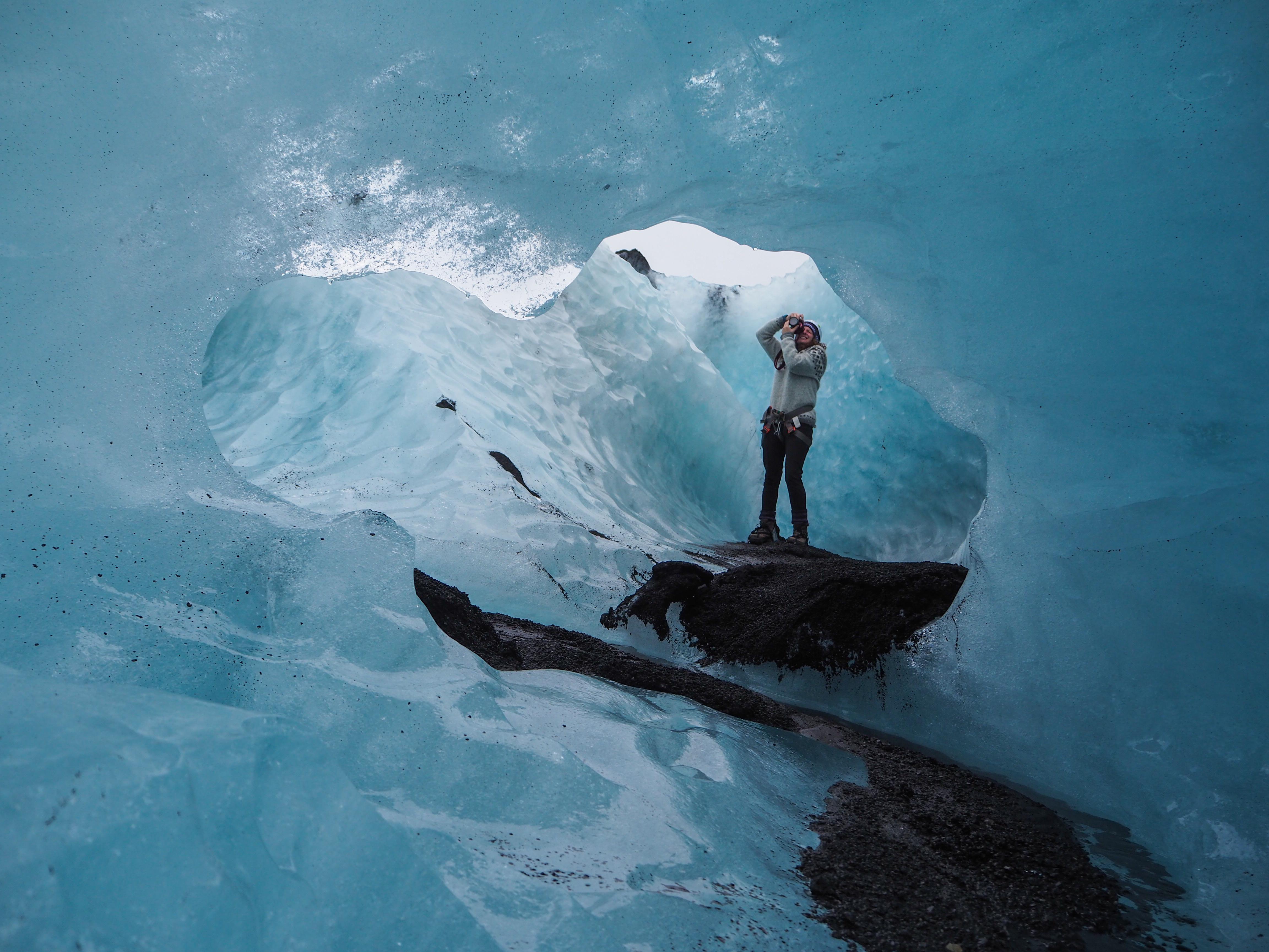 cuevas de cielo viaje en el corazon de los glaciares